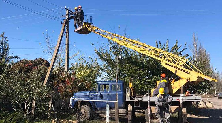 Донецкие электросети восстановил электроснабжение прифронтовых посёлков Луганское и Тарамчук, обесточенных в результате боевых действий