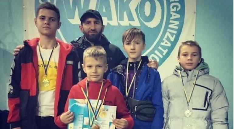 10 октября в Константиновке состоялся открытый кубок Донецкой области и ОДЮСШ по кикбоксингу WAKO