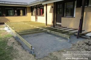 Используем винтовые сваи при строительстве дома