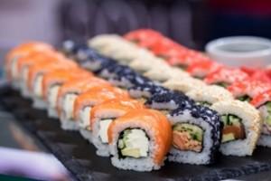 Доставка суші додому як популярна послуга