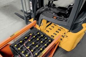 Где приобрести тяговый аккумулятор для складской техники
