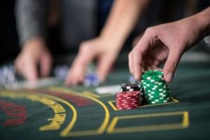 Блэкджек онлайн: легендарная игра в казино Queenofluck