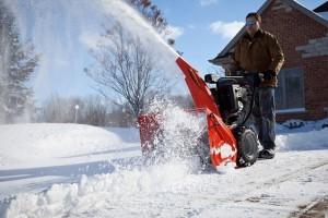 Снегоуборочные машины для расчитстки дачного участка
