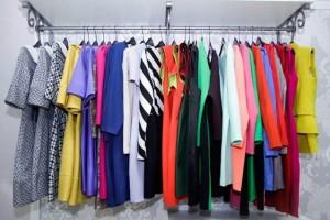 Покупка практичной женской одежды оптом