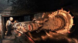 Горные самосвалы и другая шахтная техника